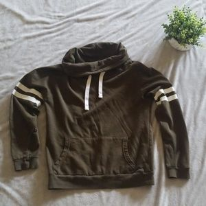ON FIRE Olive green pullover sweater size medium
